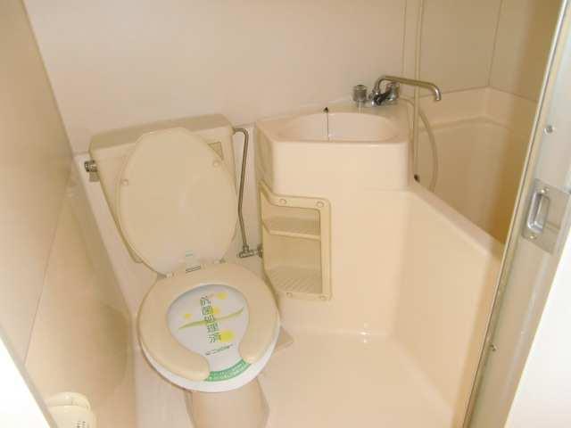 シャトー金山 1階 浴室