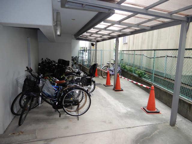セントラルハイツ金山 5階 駐輪場