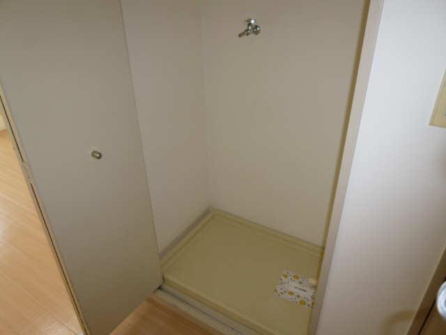 ハーモニアス白鳥 2階 洗濯機置場