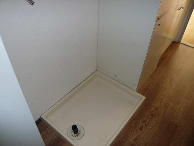 ジュエルズコートⅡ 3階 洗濯機置場