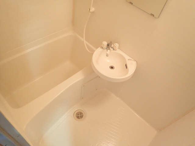 レジデンスふくざわⅡ 2階 浴室