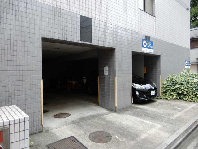 ハイツ金山 5階 駐車場