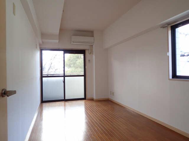 ハイツ金山 5階 室内