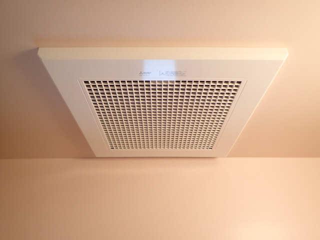 ハイツ金山 5階 浴室換気扇