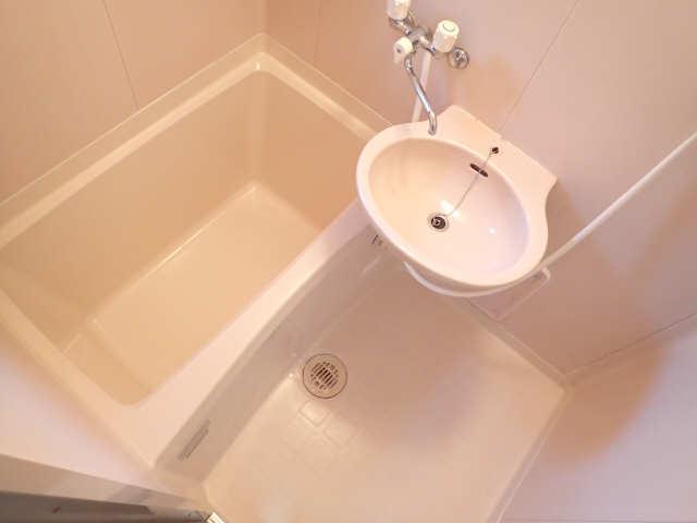 ハイツ金山 5階 浴室