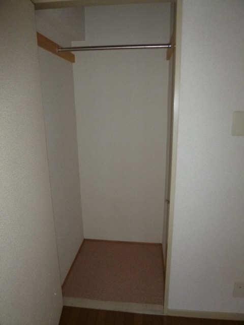 ハイツ金山 1階 収納