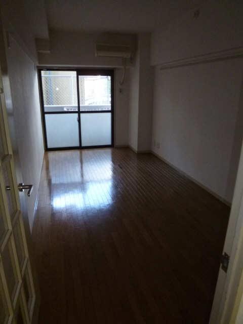 ハイツ金山 1階 室内(アングル2)
