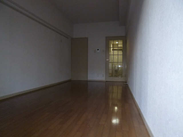 ハイツ金山 1階 室内