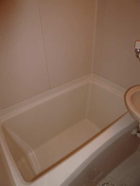 ハイツ金山 1階 浴室