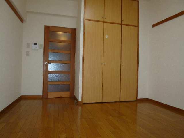 エクセルシオール金山 1階 室内