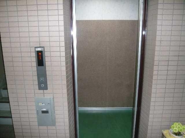 タウンコート児島 3階 エレベータ