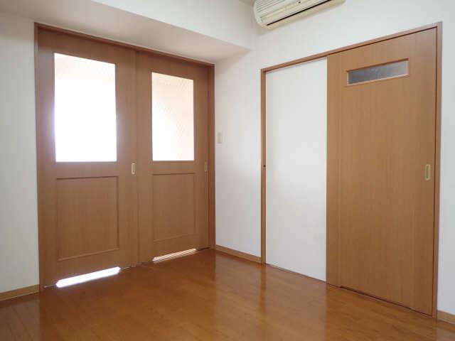 プロビデンス金山 3階 洋室