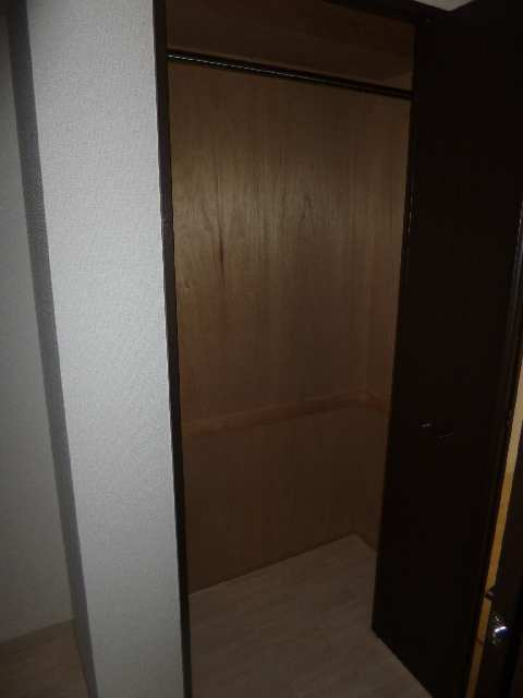 ビ・アバンス 6階 収納