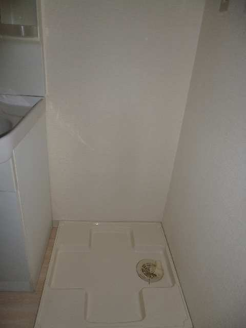 ビ・アバンス 6階 洗濯パン