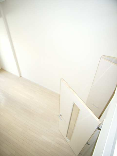 ベレーサ金山 7階 室内