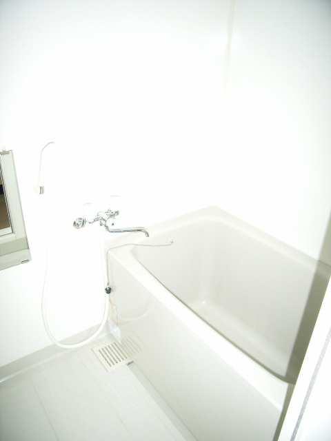 ベレーサ金山 7階 浴室