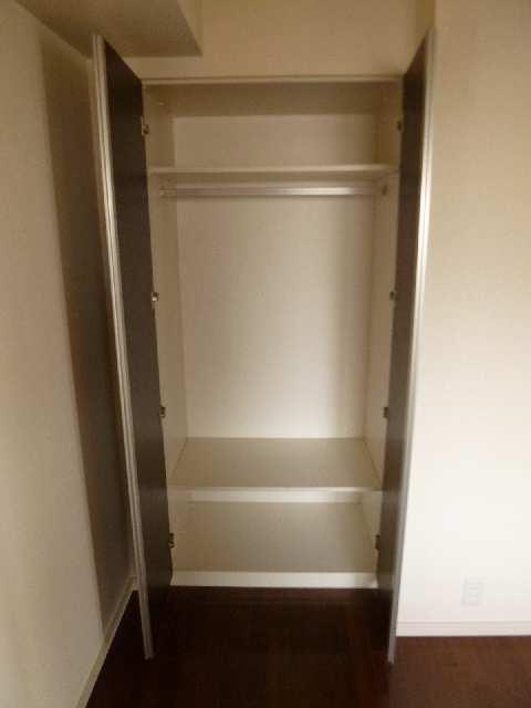 ロイヤルクレスト金山フロント 1101 11階 収納