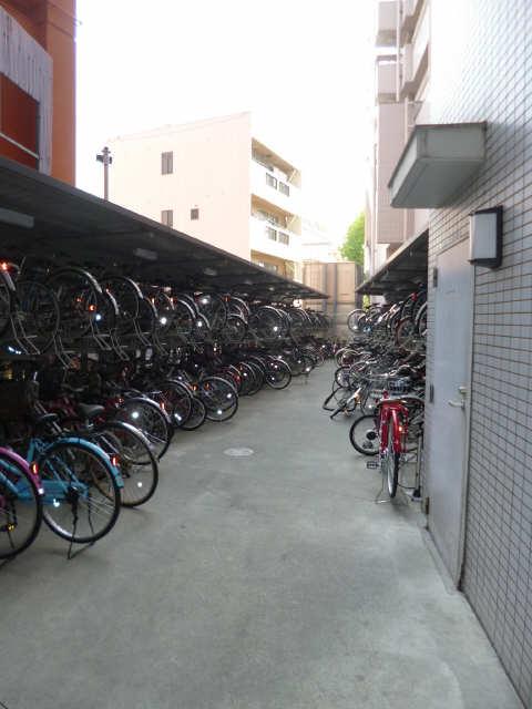 パークフラッツ金山 5階 自転車置き場