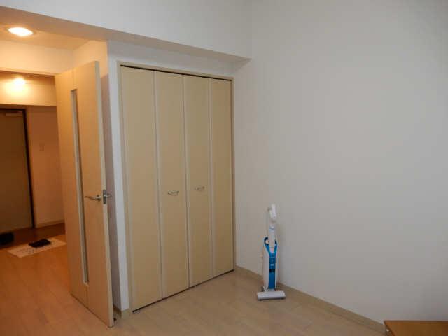 パークフラッツ金山 5階 室内