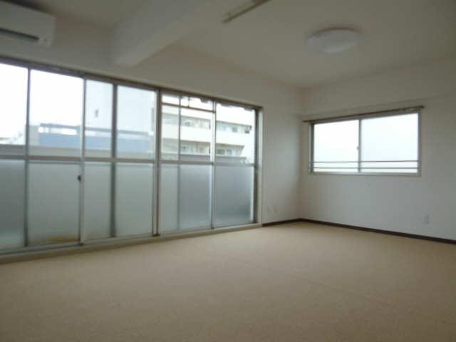 フォンティーヌ金山729 8A号室 8階 室内