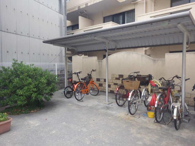 La.Zona roza 3階 駐輪場