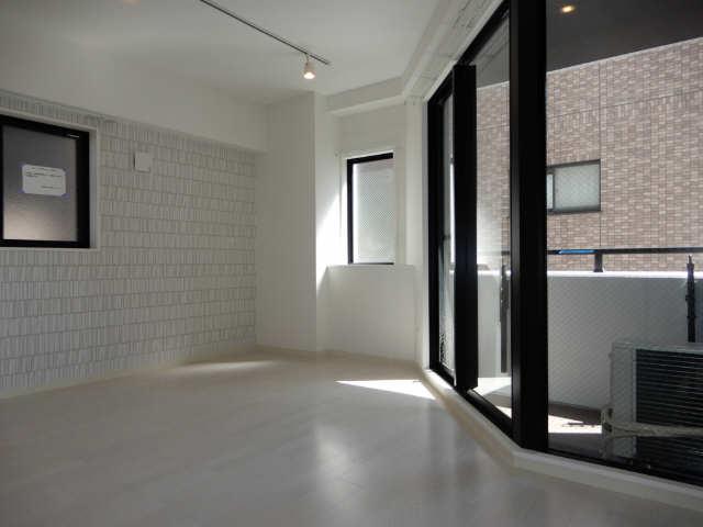 GRANDUKE東別院crea 3階 室内