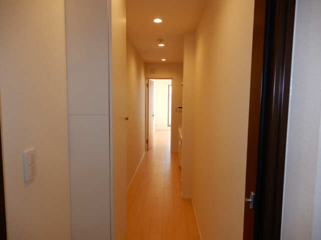 Maison西高蔵West 3階 廊下