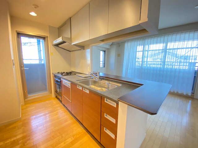 ロイヤルクレスト金山 803号 8階 キッチン