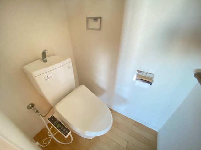 ロイヤルクレスト金山 803号 8階 WC