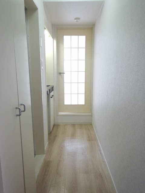 ロイヤルパレス 1階 玄関