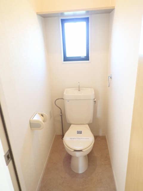エミナンス竜美東B棟 2階 WC