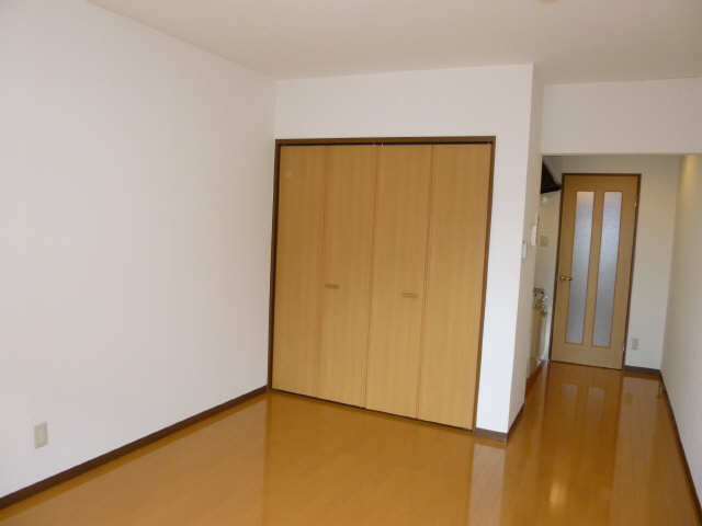 セレス 1階 室内