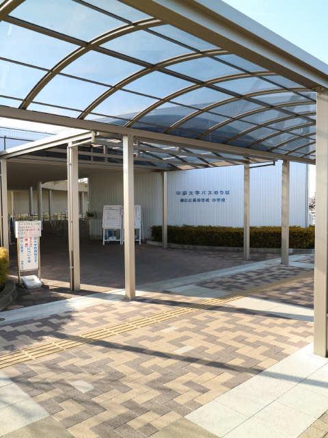 シャトルゴタンダ 1階 JR神領駅中部大バス乗り場