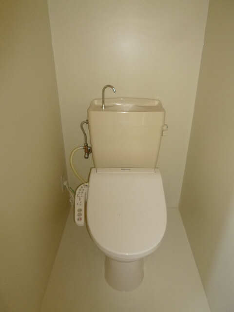レセンテ馬引 1階 WC