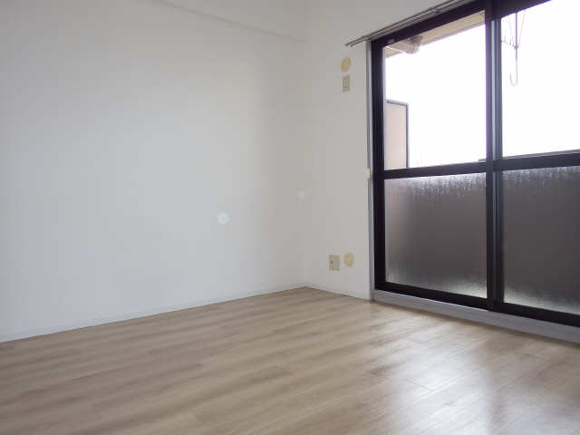 エクセルナカゼン 2階 洋室