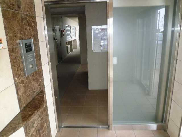 カーサヴェルデ 4階 オートロック入口