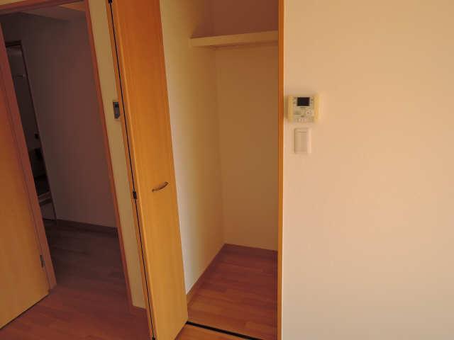 カーサヴェルデ 4階 収納