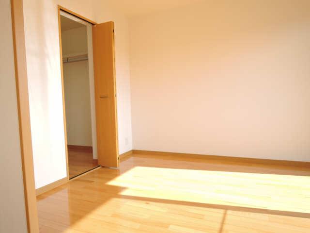 カーサヴェルデ 4階 室内
