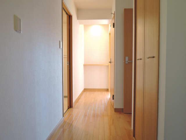 カーサヴェルデ 4階 廊下