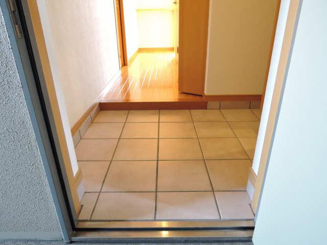 カーサヴェルデ 4階 玄関