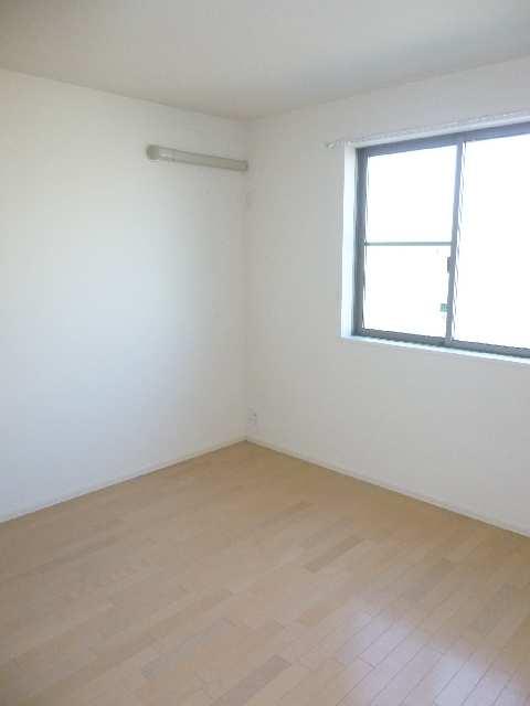 リヴェール清水山 1階 室内