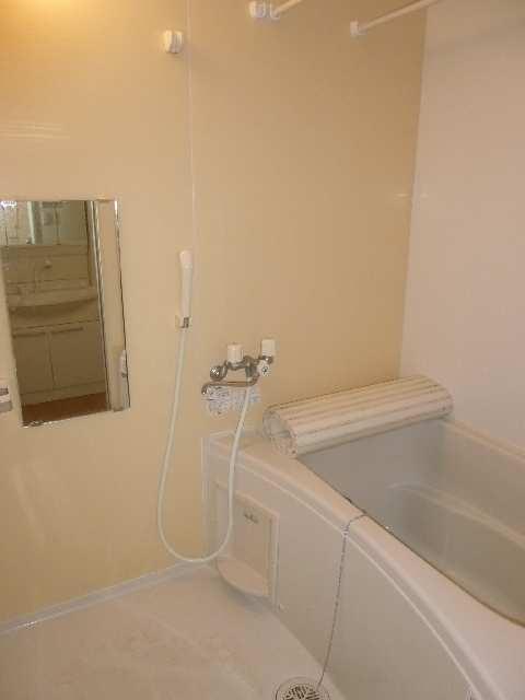 リヴェール清水山 1階 浴室