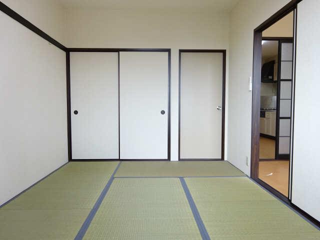 ポートタウンA・B 2階 和室