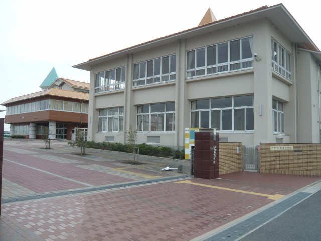 ラポール弥生  弥富中学校