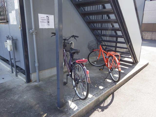 シティハイム前畑 2階 駐輪場