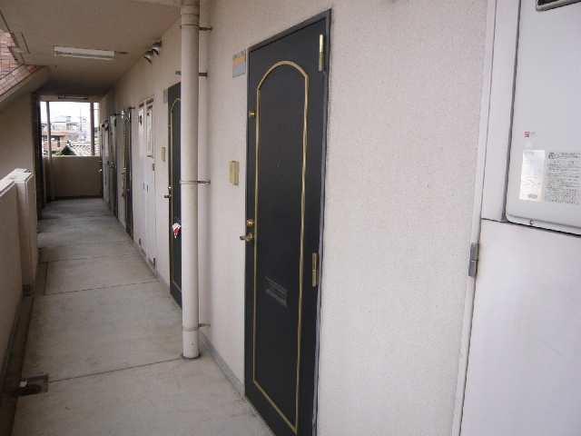 ブロンズ森島 3階 玄関ドア