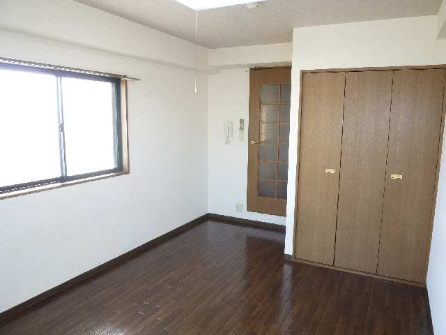 パックス荒畑 4階 室内