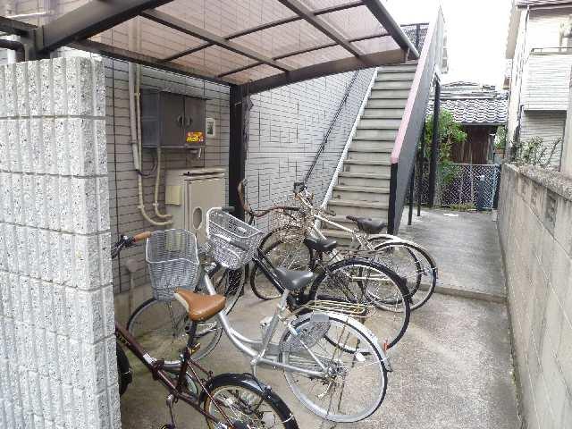 CozyCourt池端 2階 自転車置場