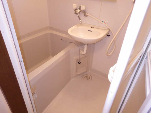 CozyCourt池端 1階 浴室