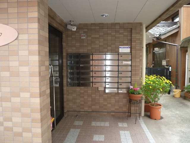 シュロス アービック 1階 エントランス入口